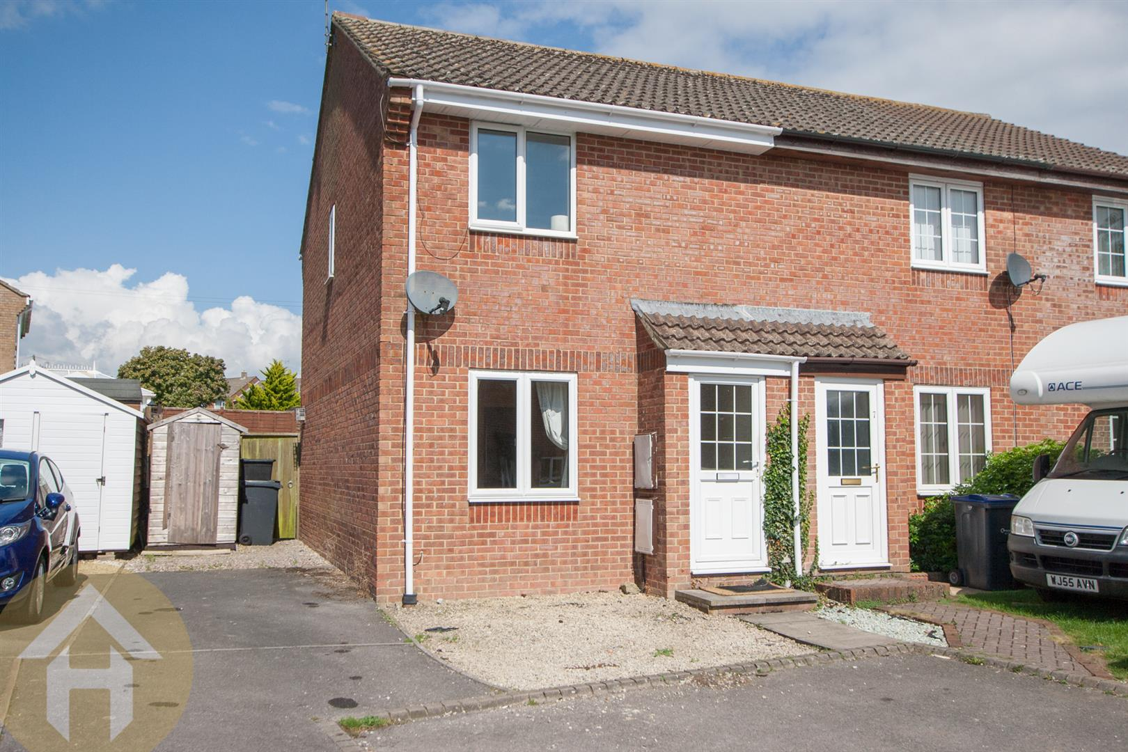 2 Bedrooms Semi Detached House for sale in Proud Close, Purton